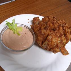 blooming-onion-and-dipping-sauce